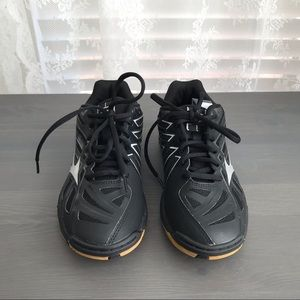 New MIZUNO Wave Hurricane 3 Volleyball Shoes